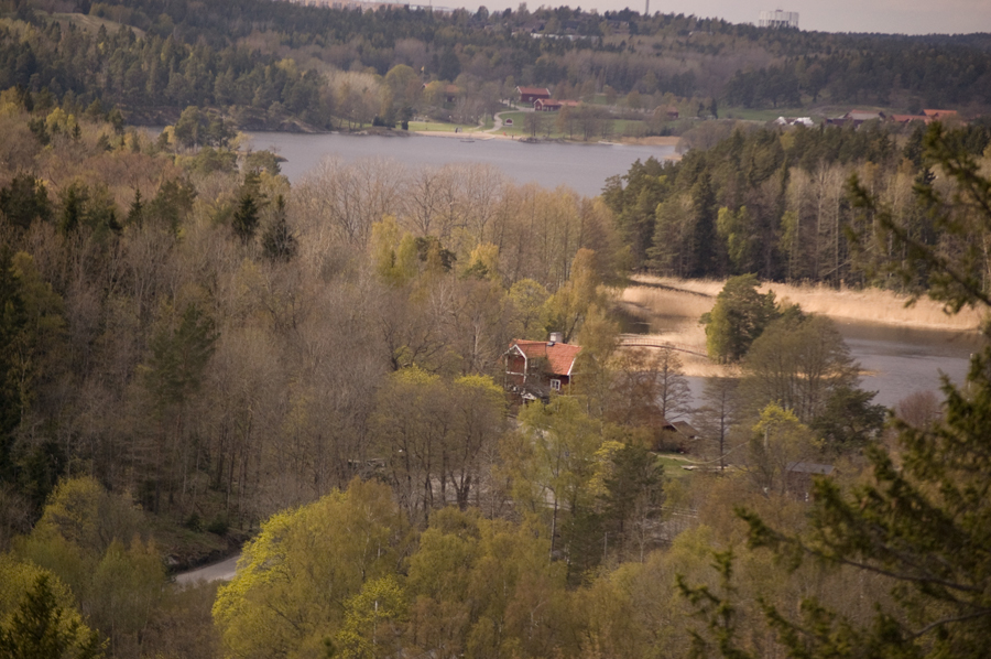 Utsikten från Bergholmen. Här uppe finns kvällssolen, men hade nu inte kameran med. Bilden är från 1a maj.